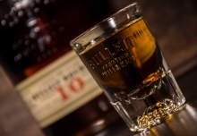 Bullleit 10 shot glass